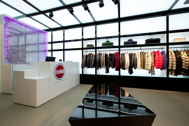 bd73642fecb The opening of this store marks the beginning of a new adventure for Colmar  Originals that has decided to have at its side the Florentine design studio  for ...