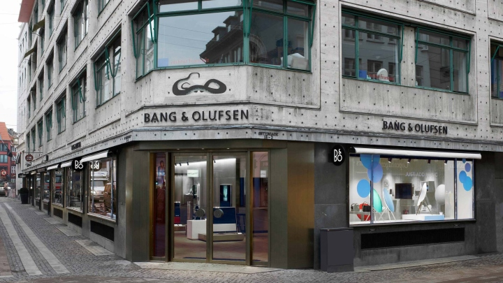 bang olufsen flagship store by johannes torpe studios copenhagen sweden retail design blog. Black Bedroom Furniture Sets. Home Design Ideas