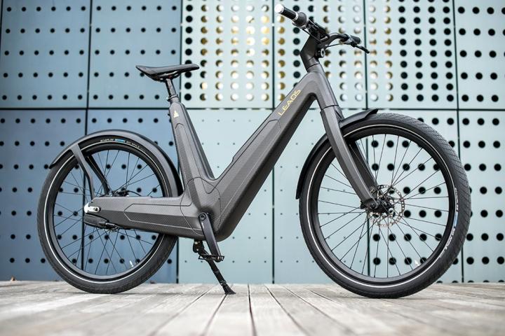 leaos carbon electric bike retail design blog. Black Bedroom Furniture Sets. Home Design Ideas