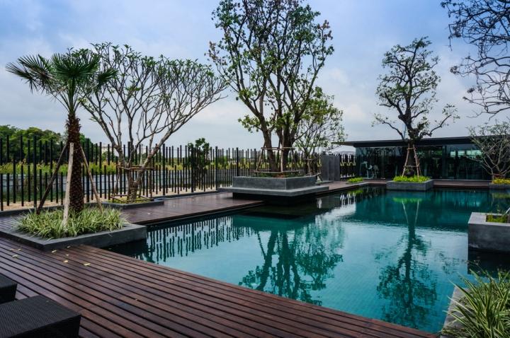 Landmark residence sport club by mada bangkok thailand for Sport swimming pool design