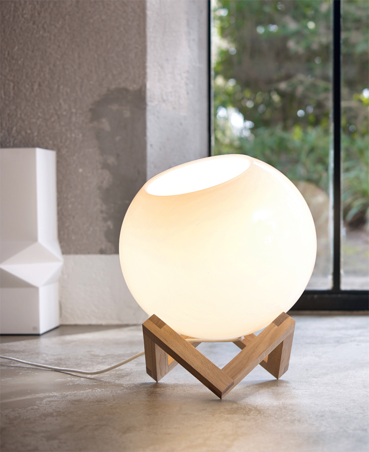 MCE Lamp by Note Design Studio for PER/USE » Retail Design Blog