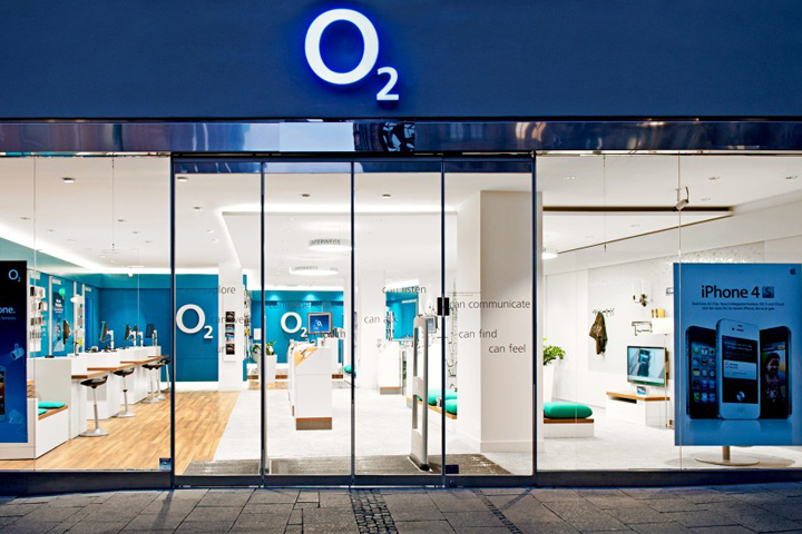 o2 marketplace flagship store by hartmannvonsiebenthal munich. Black Bedroom Furniture Sets. Home Design Ideas