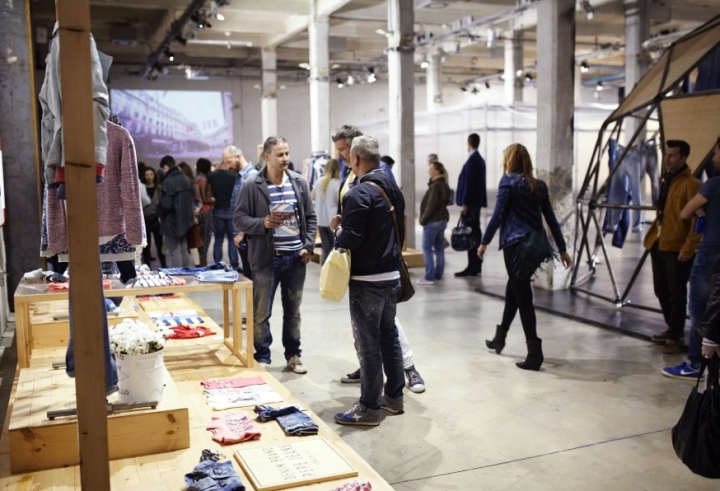 Pepe jeans london international line opening by pelonio for International decor spain