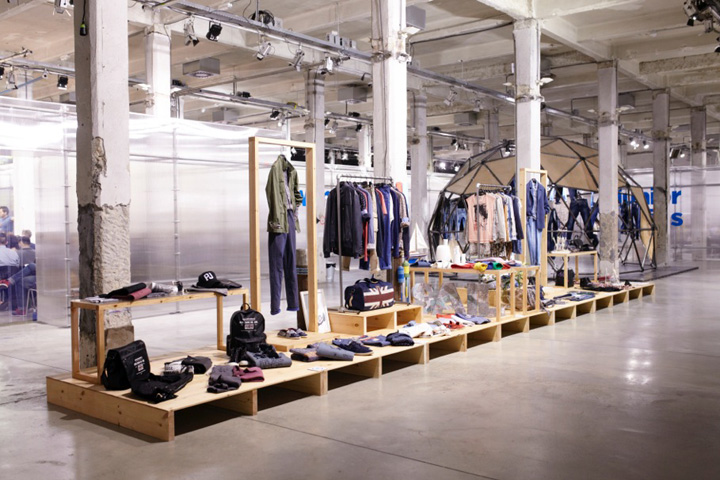 Jeans retail design blog - Pepe jeans showroom ...