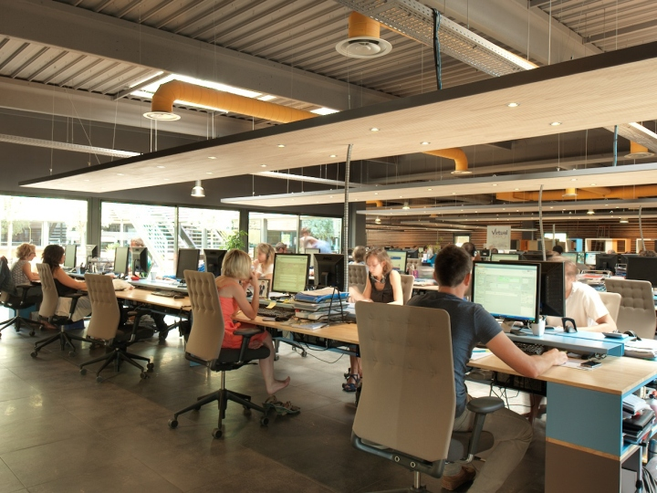 Virtualexpo open space office by multipod studio for Design an office space layout online