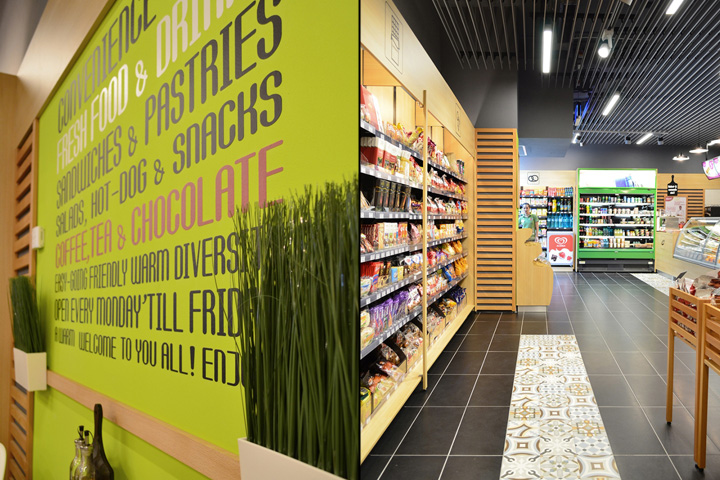 1 minute hot snacking store by Creativ Interior Bucharest