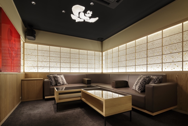 Club camelia by torii masato design office kyoto japan for Office design japan