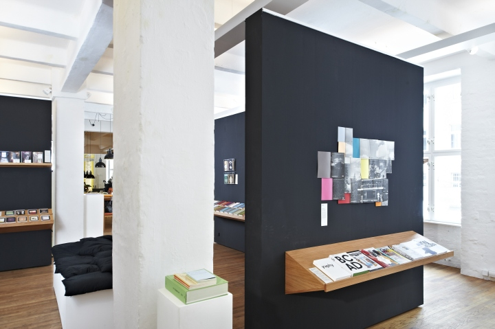 retail design blog gestalten space flagship store berlin germany. Black Bedroom Furniture Sets. Home Design Ideas