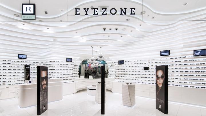 Eyewear stores rivoli eyezone stores by labor weltenbau for Optical store designs interior
