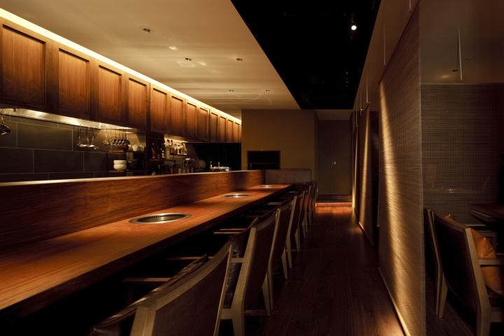 Sumibiyakiniku dan restaurant by nakagawa design office for Office design japan
