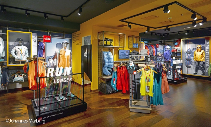 The north face flagship store by green room milan italy for Service design milano