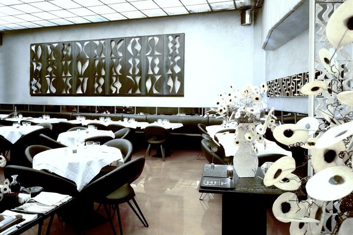 Corso como restaurant café milan italy retail