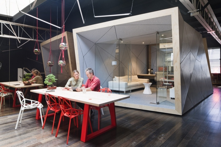 Compulsive productions office by matt gibson melbourne for Office design and productivity