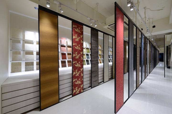 Kamism showroom design by ichiro nishiwaki tokyo japan for Showroom flooring ideas