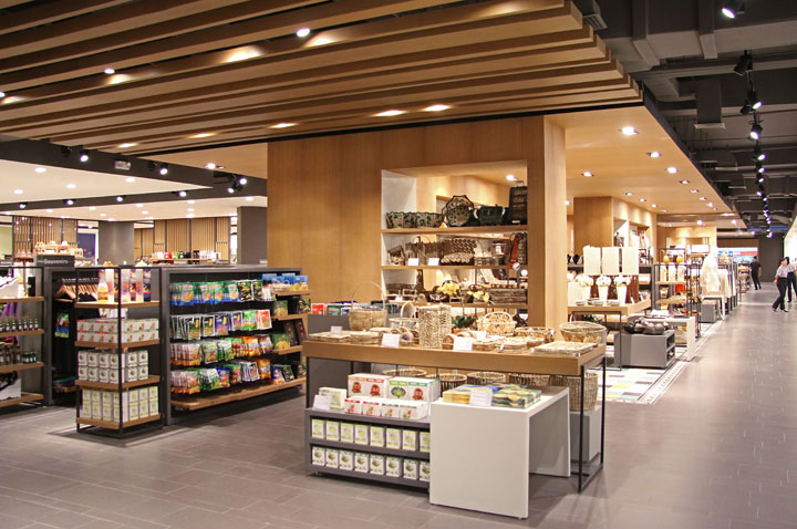 Wellworth department store by Blocher Blocher Partners