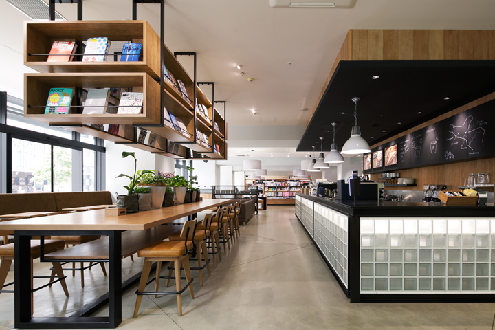 Culfe book store and café by fan inc shizuoka japan