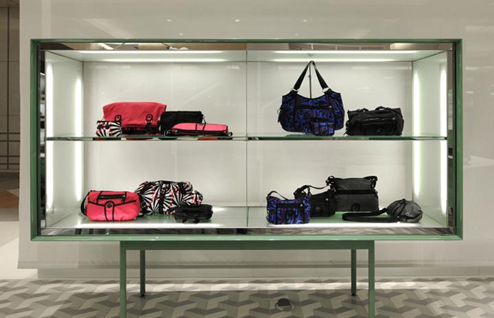 荷兰-安特卫普–Kipling箱包店设计, Antwerp   Netherlands