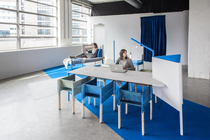 In The Design Studio KNOL Responded To New Working Trends By Creating A Variety Of Thematic Environments Open Space 300 M2 Allowing Workers