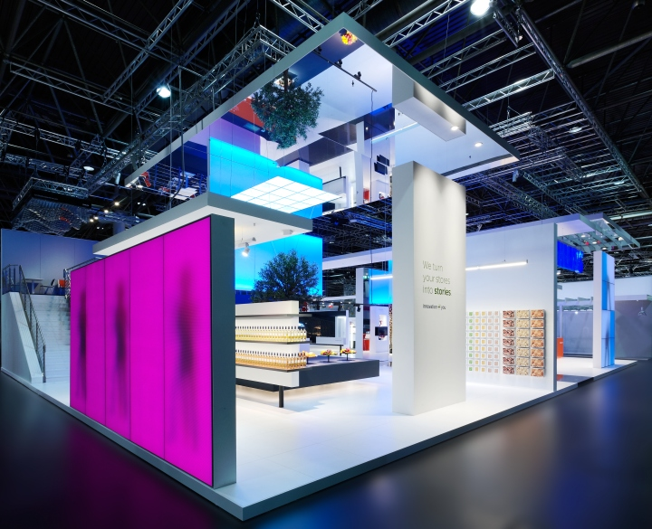 Exhibition Booth Lighting : Philips lighting stand by totems düsseldorf germany