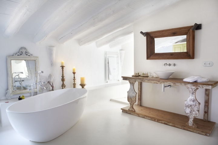 Can casi bed and breakfast by coblonal arquitectura - Miroir de salle de bain leroy merlin ...