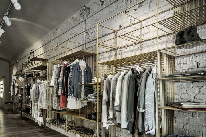 187 Blond Boutique Concept Store By Christopher Ward Carpi