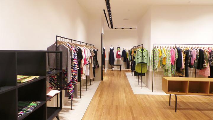 印度尼西亚雅加达–Carven 女装店铺设计