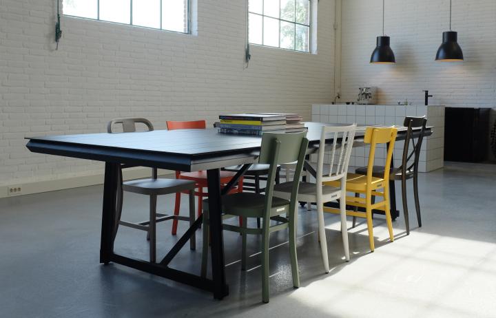 Denimb – Furnitureb office & showroom by Sander van