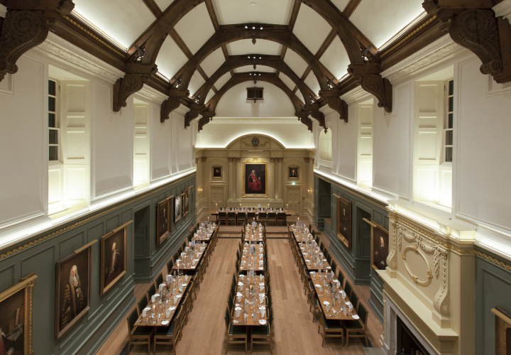 Dining Hall Trinity Hall lighting design by Hoare Lea  : Dining Hall Trinity Hall lighting design by Hoare Lea Lighting Cambridge UK 02 from retaildesignblog.net size 720 x 500 jpeg 270kB