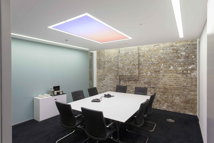Hoare lea lighting office london uk retail design blog daylight penetration is supported by directindirect track mounted luminaires within a suspended aloadofball Gallery
