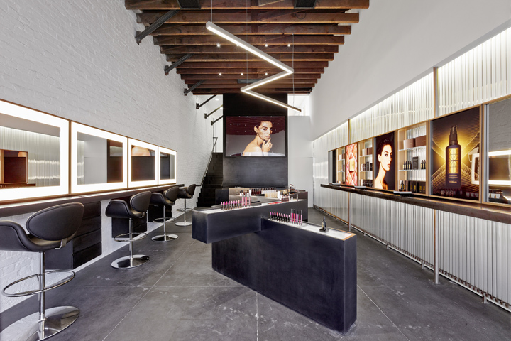 187 Hourglass Flagship Store By Standard Architecture