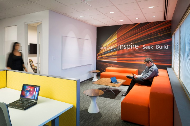 Microsoft office and sales center design by Perkins+Will, Hartford ...