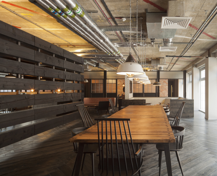 london office design. Amos And Were Commissioned By AKQA To Refurbish The Company\u0027s Second Floor Workspace On St John\u0027s Lane, Clerkenwell. Brief Was Create A Space London Office Design