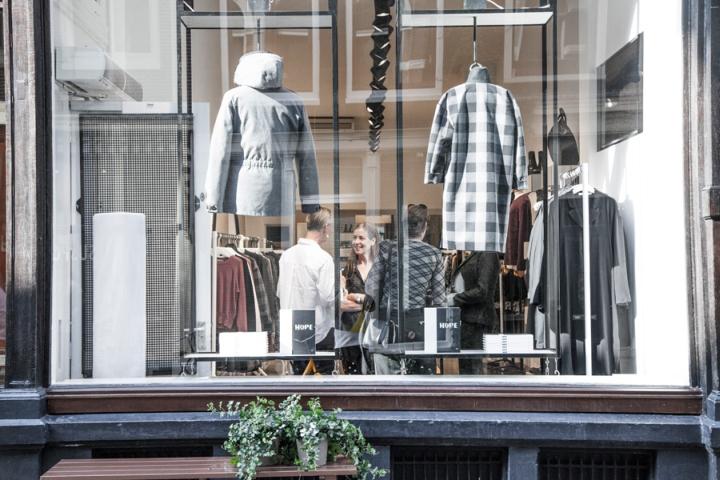 荷兰-阿姆斯特丹Hope女装品牌店设计