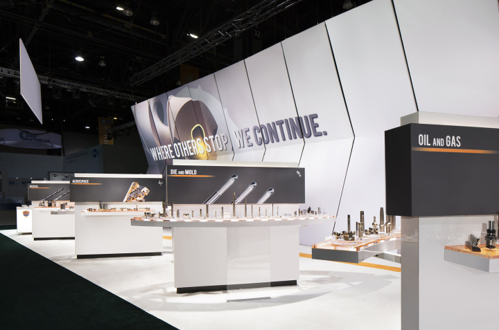 Exhibition Stand Bar : Mitsubishi exhibit at imts by catalyst chicago