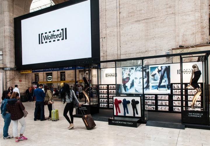 意大利米兰--Wolford pop丝袜店设计
