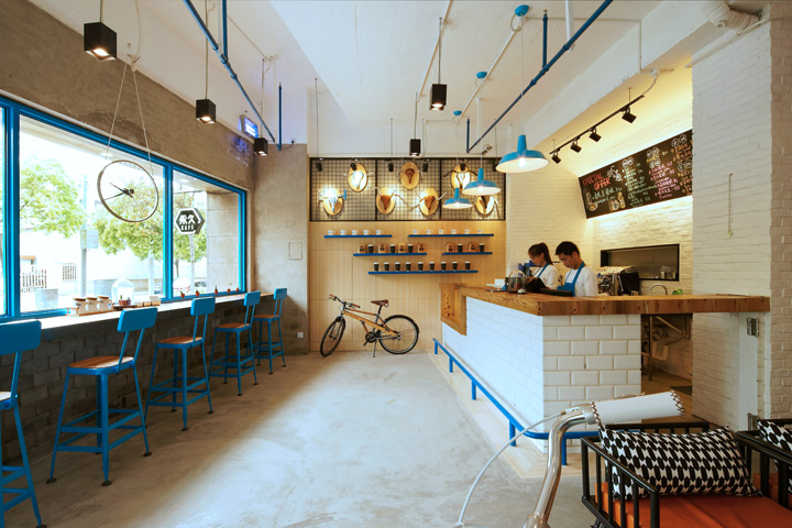 Yong jiu bike caf by kyle chan shanghai china retail design blog by presenting the essence of the long history of the brand upon chinese cultural background we take blue as the theme color which is popularly used in malvernweather Choice Image