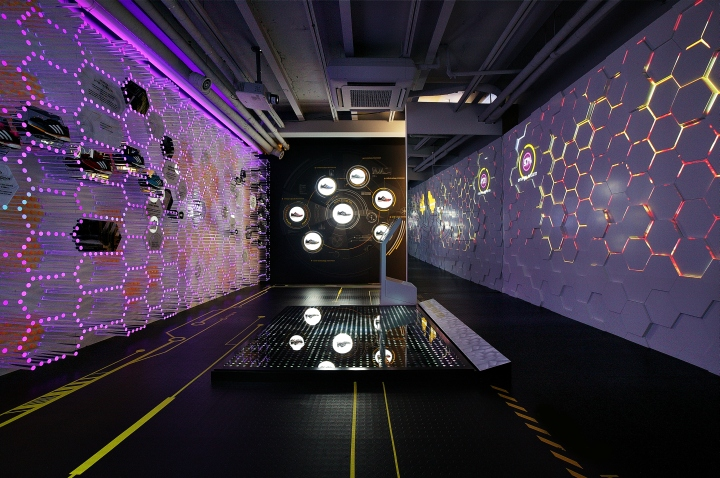 adidas Boost™ Energy Lab pop-up store by URBANTAINER, Seoul