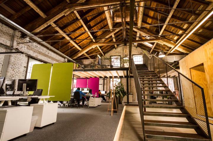 奥地利萨尔茨堡–Elements loft风格办公室设计