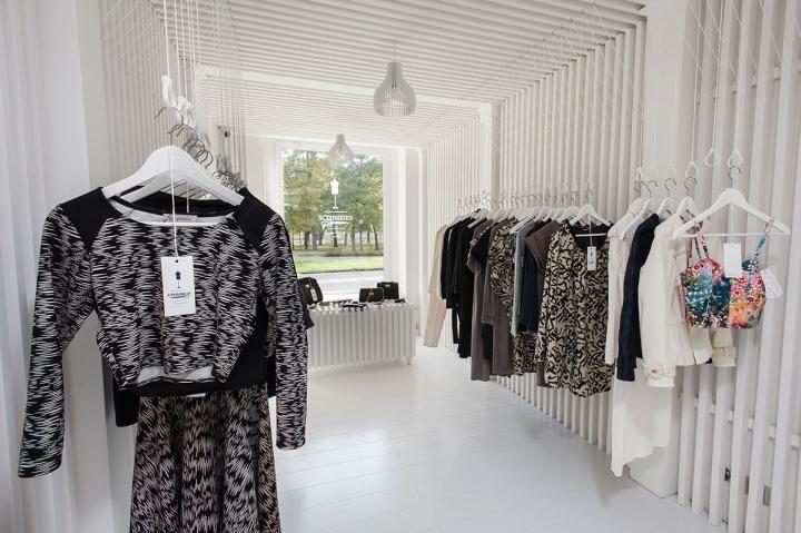 匈牙利高端服装定制体验店设计