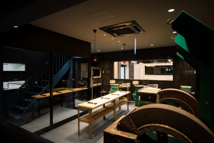 日本大阪–军刀专卖店设计