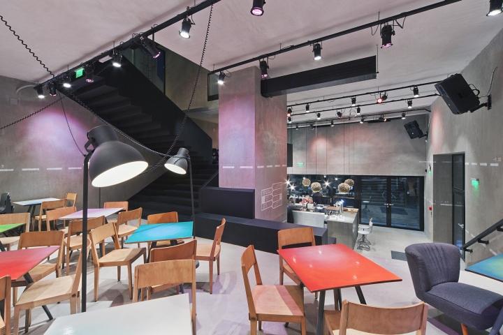 匈牙利布达佩斯Kocka酒吧设计