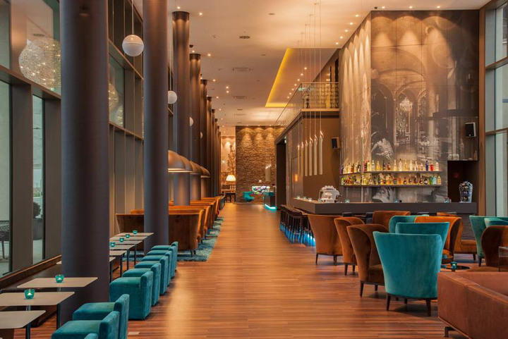 Motel one dresden am zwinger dresden germany retail for Design hotel dresden
