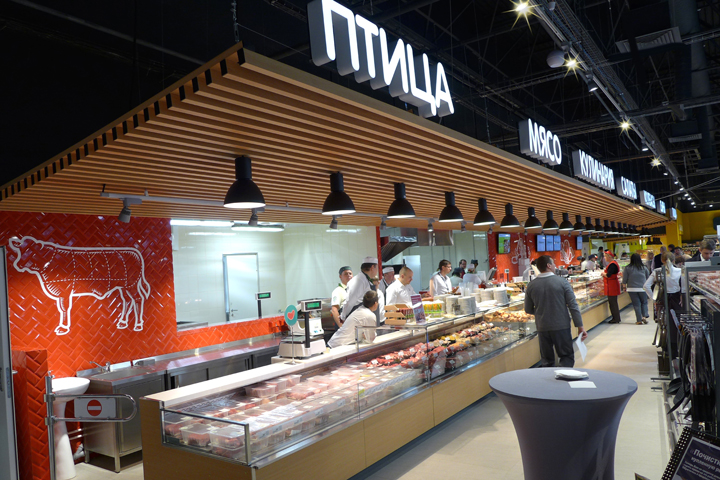 Одна из крупнейших розничных компаний в россии - x5 retail group - начала внедрение торговых точек в новом формате