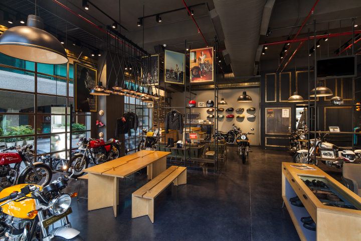 A Clean Space To Call It Showroom And Rustic Environment Portray Garage Both Characters Balance Out In The Store Compel An Inviting Decor