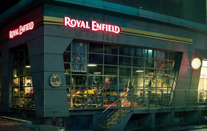 印度新德里-Royal Enfield摩托机车店设计
