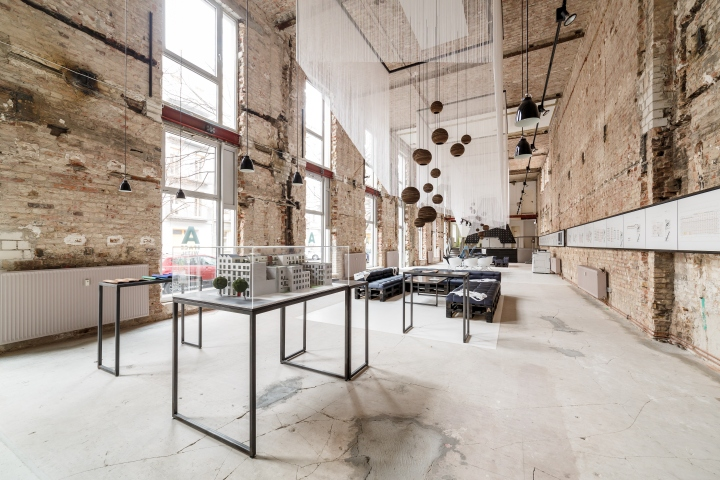 a space temporary showroom by plajer franz studio berlin germany retail design blog. Black Bedroom Furniture Sets. Home Design Ideas