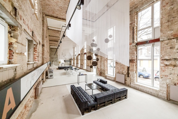 A Space Temporary Showroom By Plajer Amp Franz Studio