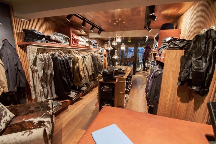 首页 店铺案例 法国jacob cohen男装品牌店设计  法国jacob cohen男