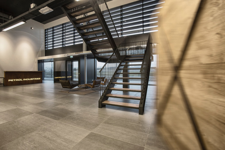 Petrol Industries Office And Show Room By Vds Conceptdesign Tilburg The Netherlands