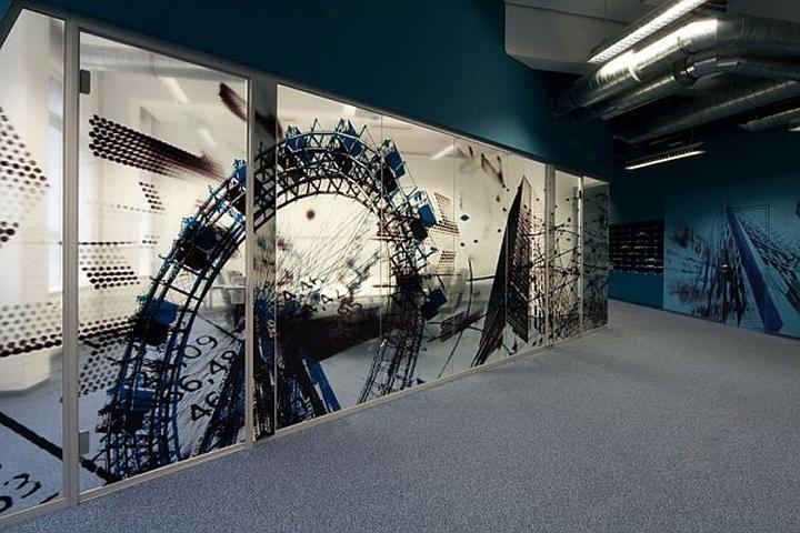 Editorial offices wirtschaftblatt newsroom by idfl design for Vinyl window designs ltd